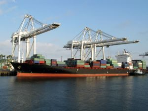 barco carguero