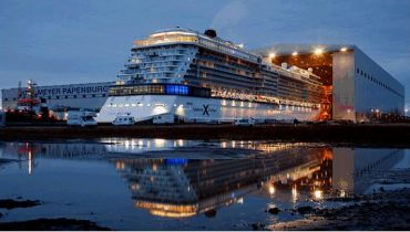 Celebrity Eclipse en los astilleros