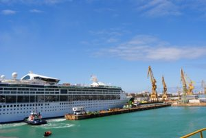Grandeur of the Seas en Cadiz